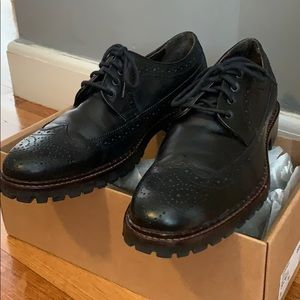 Johnston and Murphy Size 9M Jennings low top
